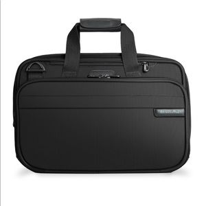 Briggs & Riley Baseline Expandable Cabin Bag Model